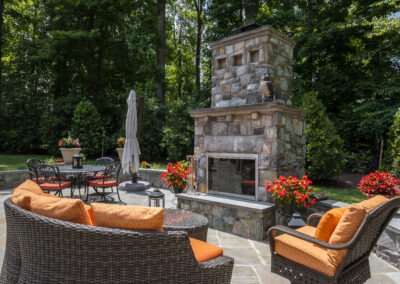 Ellicott City outdoor entertaining area with durable, well designed furnishings for relaxing and dining.
